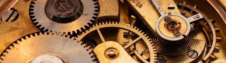 Horloger sur Lyon David GUERARD : réparation et maintenance des mécanismes de vos horloges, pendules, montres, coucous et carillons
