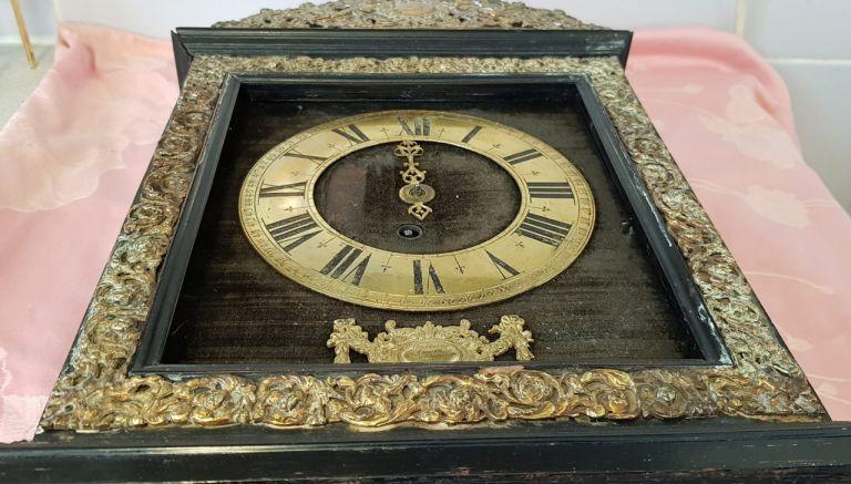 Restauration d'une vieille pendule signée Balthazar Martinot, célèbre horloger dit l'Aîné